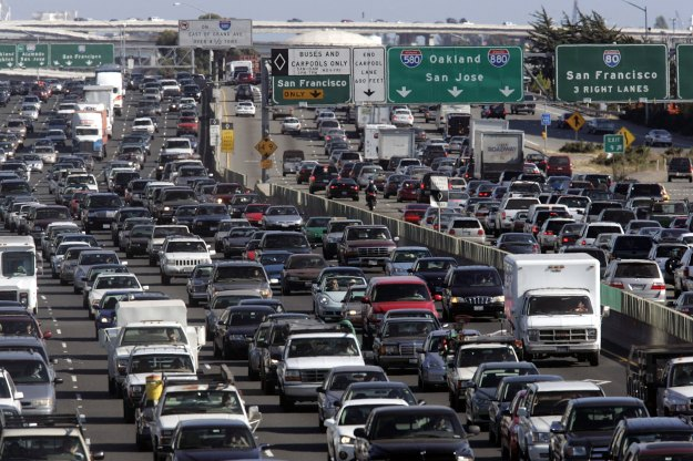 Scores Of Travelers Depart For Long Holiday Weekend