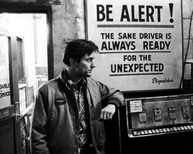 taxi-driver-de-niro-dispatcher-be-alert