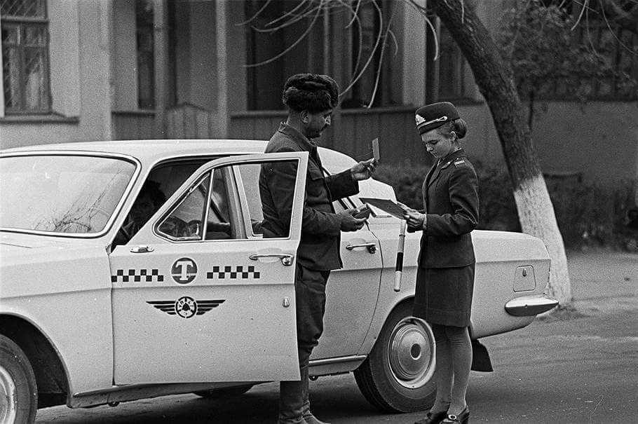 Taxi-driver-traffic-policewoman-Baku-1974