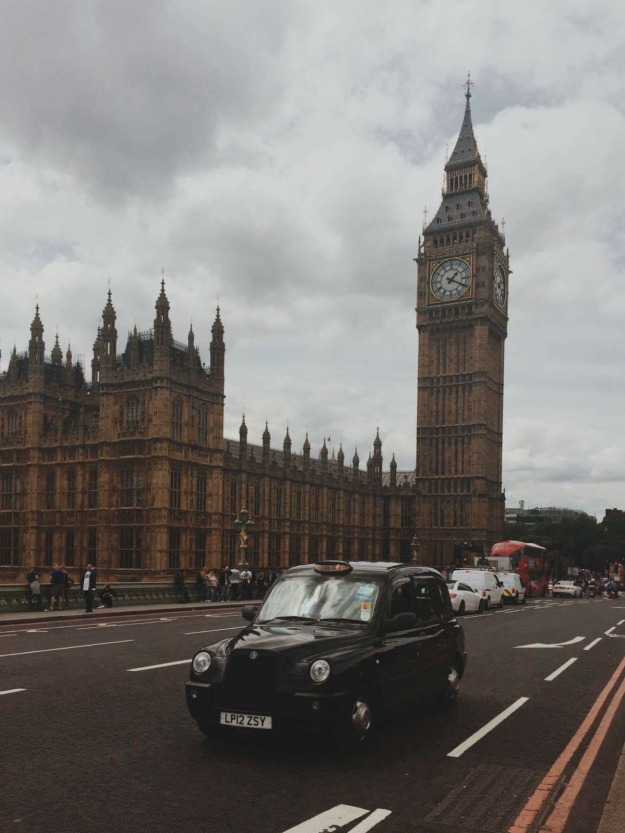 london-taxi-black-cab-tower