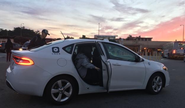 uber-dressed-like-taxi