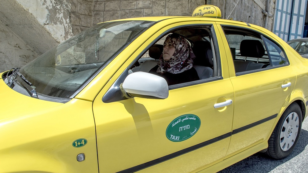 Palestine-Woman-Taxi-Driver