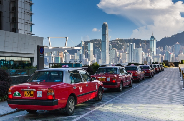 Taxis-Kowloon-Waterfront-Hong-Kong